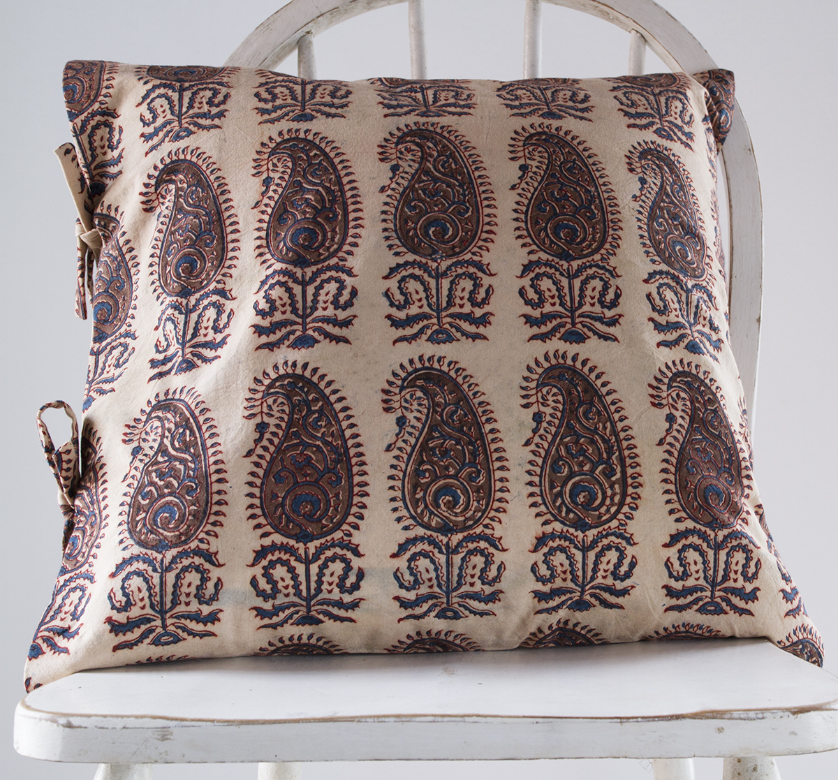 therese chocolate small deco pillow les indiennes. Black Bedroom Furniture Sets. Home Design Ideas