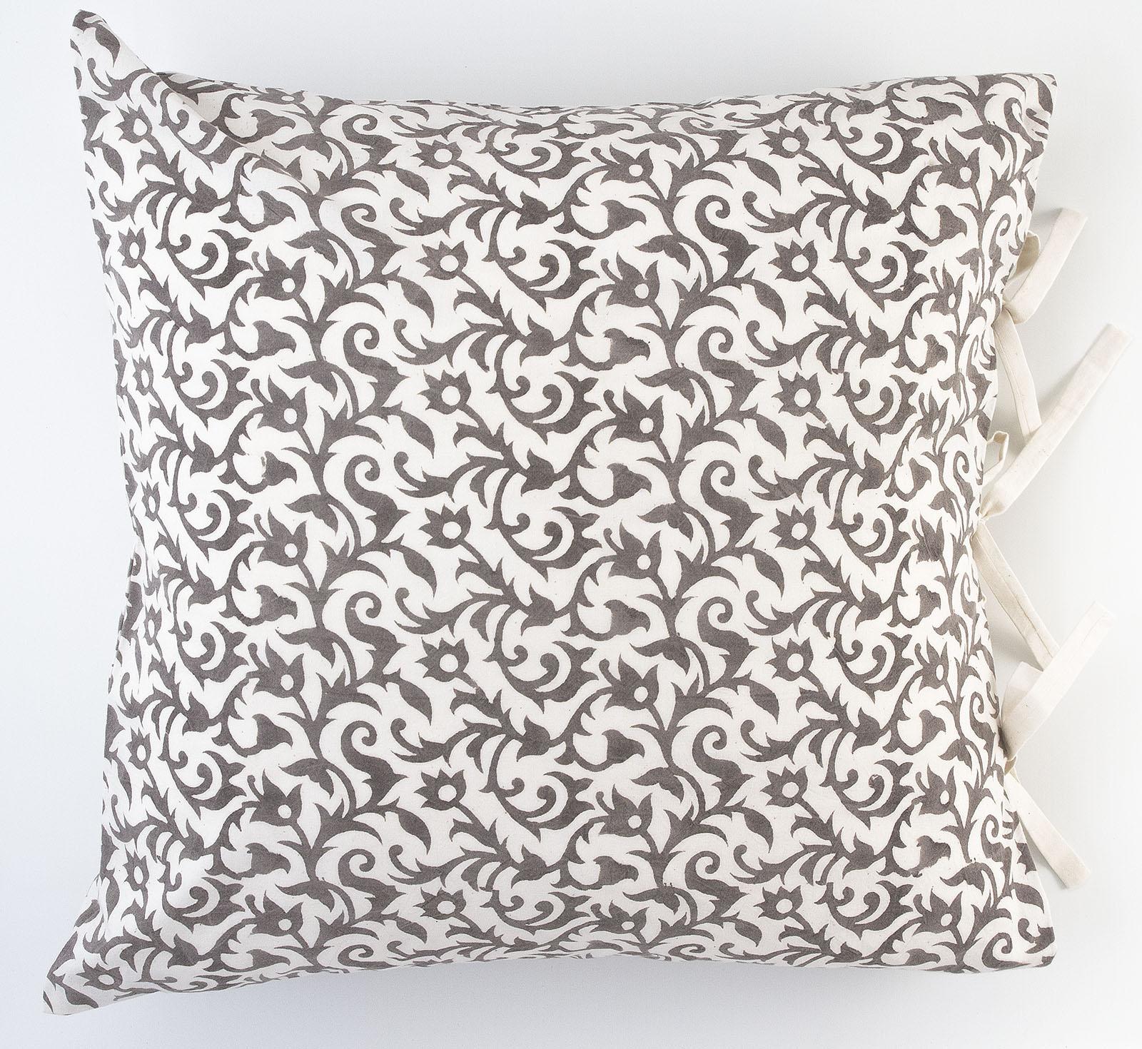 anais deco pillow les indiennes. Black Bedroom Furniture Sets. Home Design Ideas