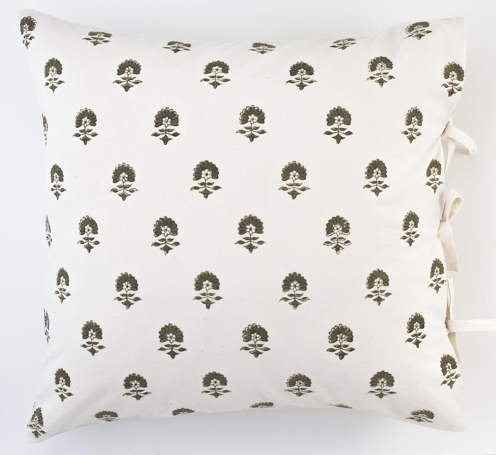 elise deco pillow les indiennes. Black Bedroom Furniture Sets. Home Design Ideas