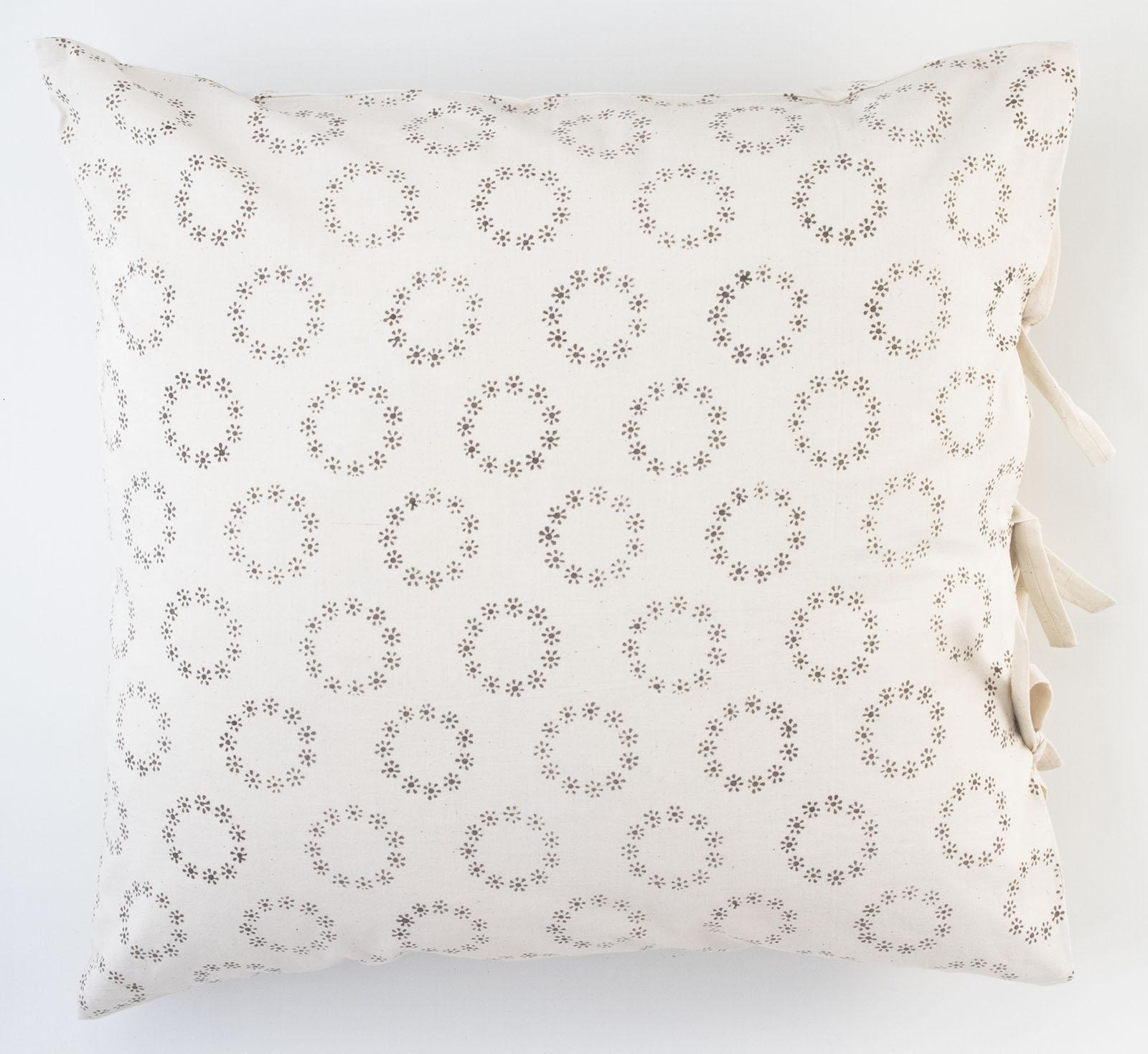 genevieve deco pillow les indiennes. Black Bedroom Furniture Sets. Home Design Ideas