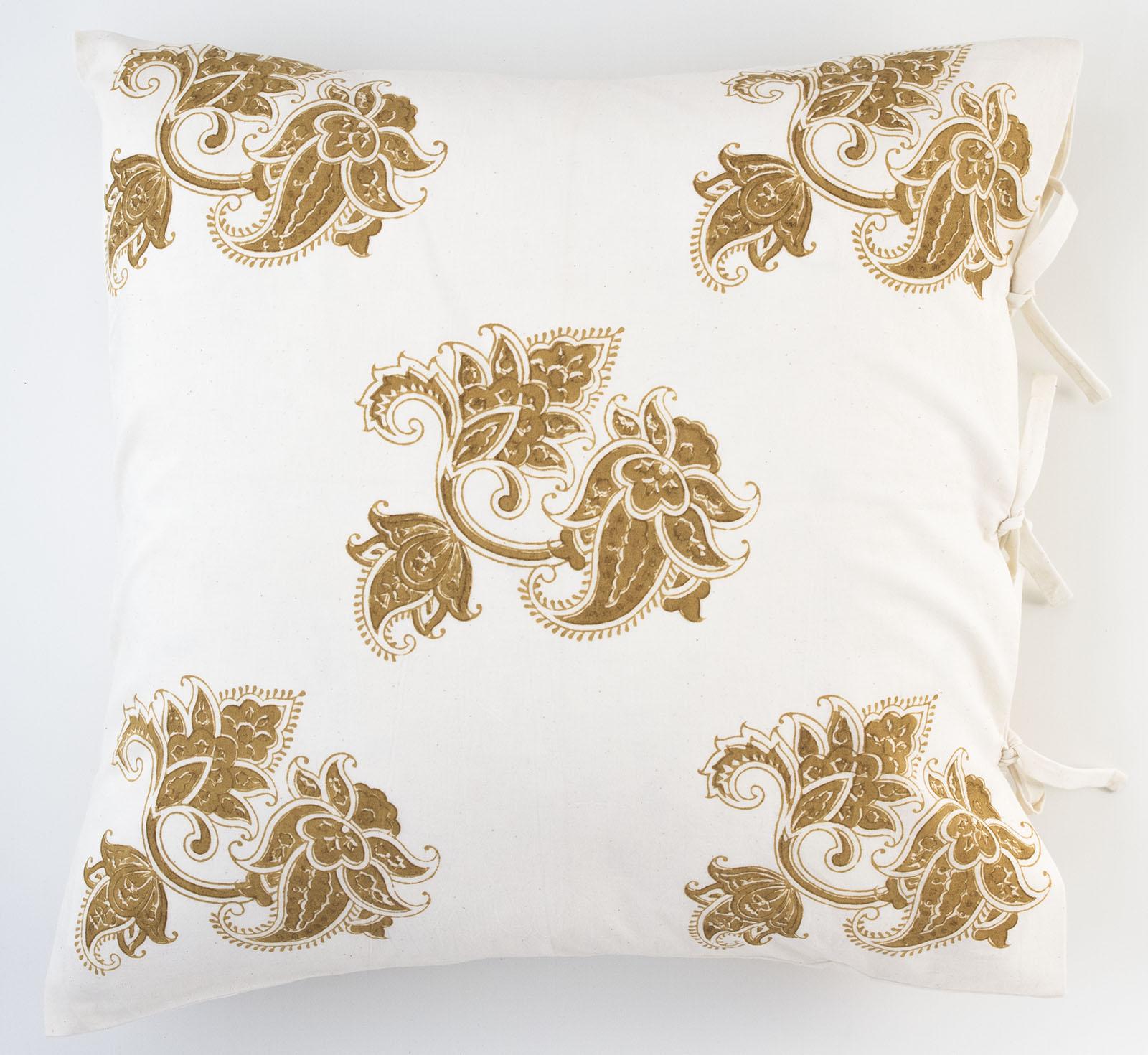 paris deco pillow les indiennes. Black Bedroom Furniture Sets. Home Design Ideas