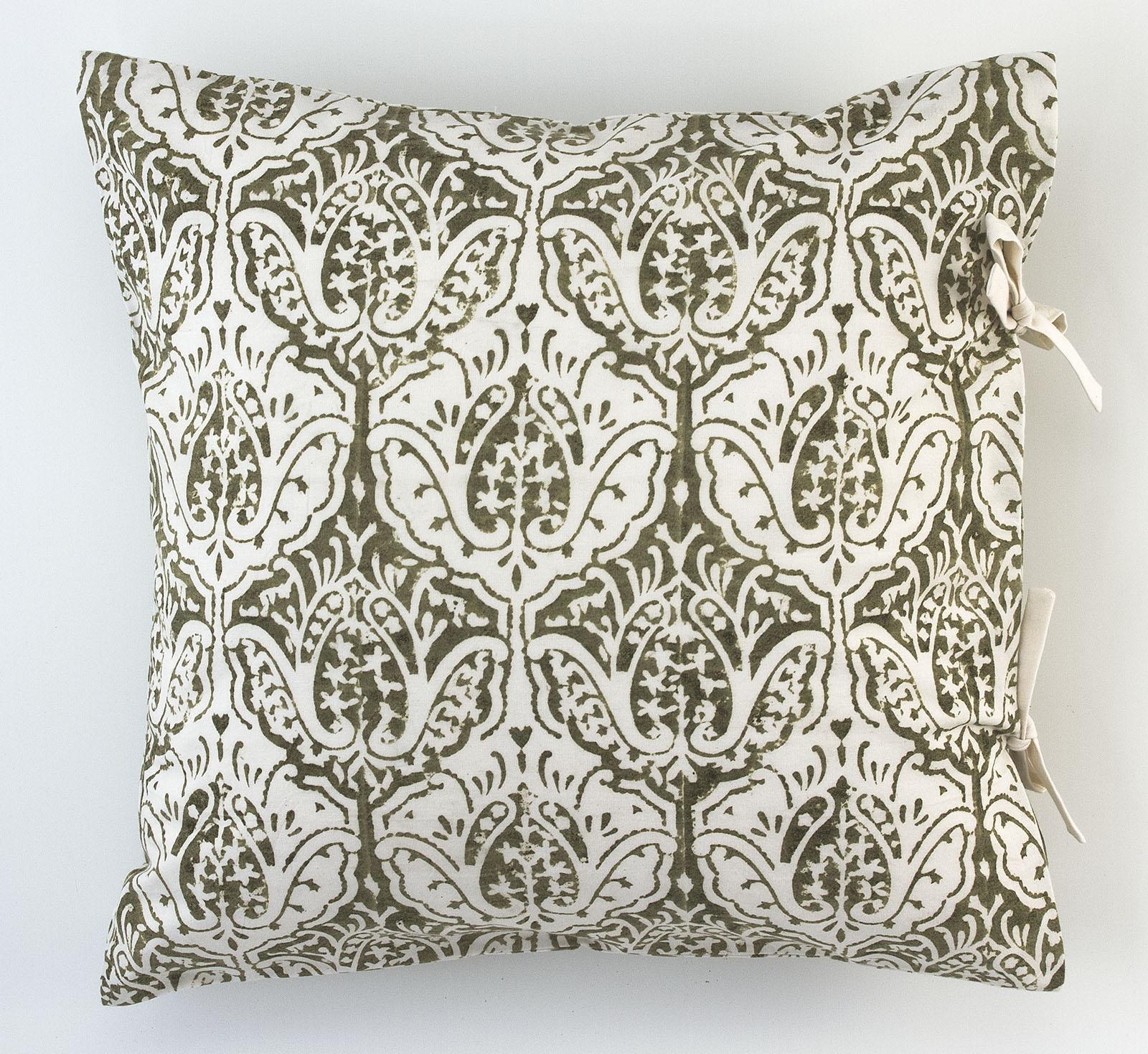 dominique small deco pillow les indiennes. Black Bedroom Furniture Sets. Home Design Ideas