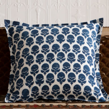 deco pillows product categories les indiennes. Black Bedroom Furniture Sets. Home Design Ideas
