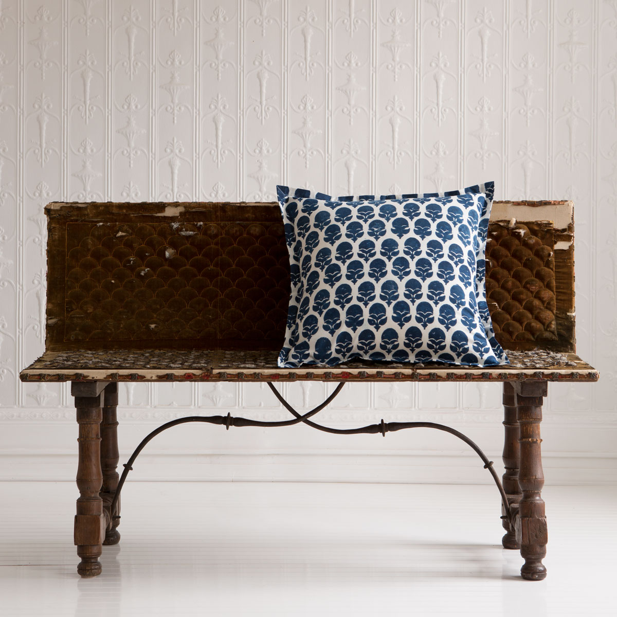 marianne deco pillow with flange les indiennes. Black Bedroom Furniture Sets. Home Design Ideas